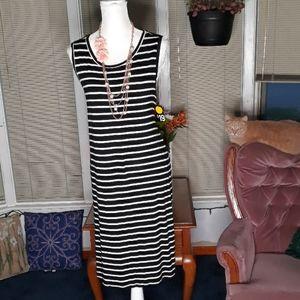 🆕️ NWT St. John's Bay black & white striped dress